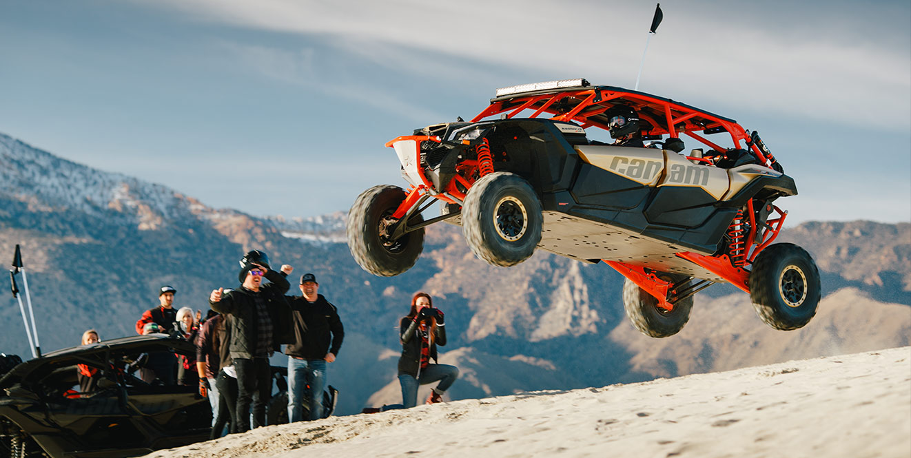 https://can-am.brp.com/content/dam/canam-offroad/Global/MY2017/Images/LP-Maverick-X3/image_gallery/maverick_x3_gallery/maverick-x3-max-jump.jpg