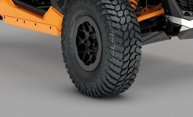 Maverick X3 X rc Turbo 2020 Price & Specs | Can-Am Off-Road | Can-Am