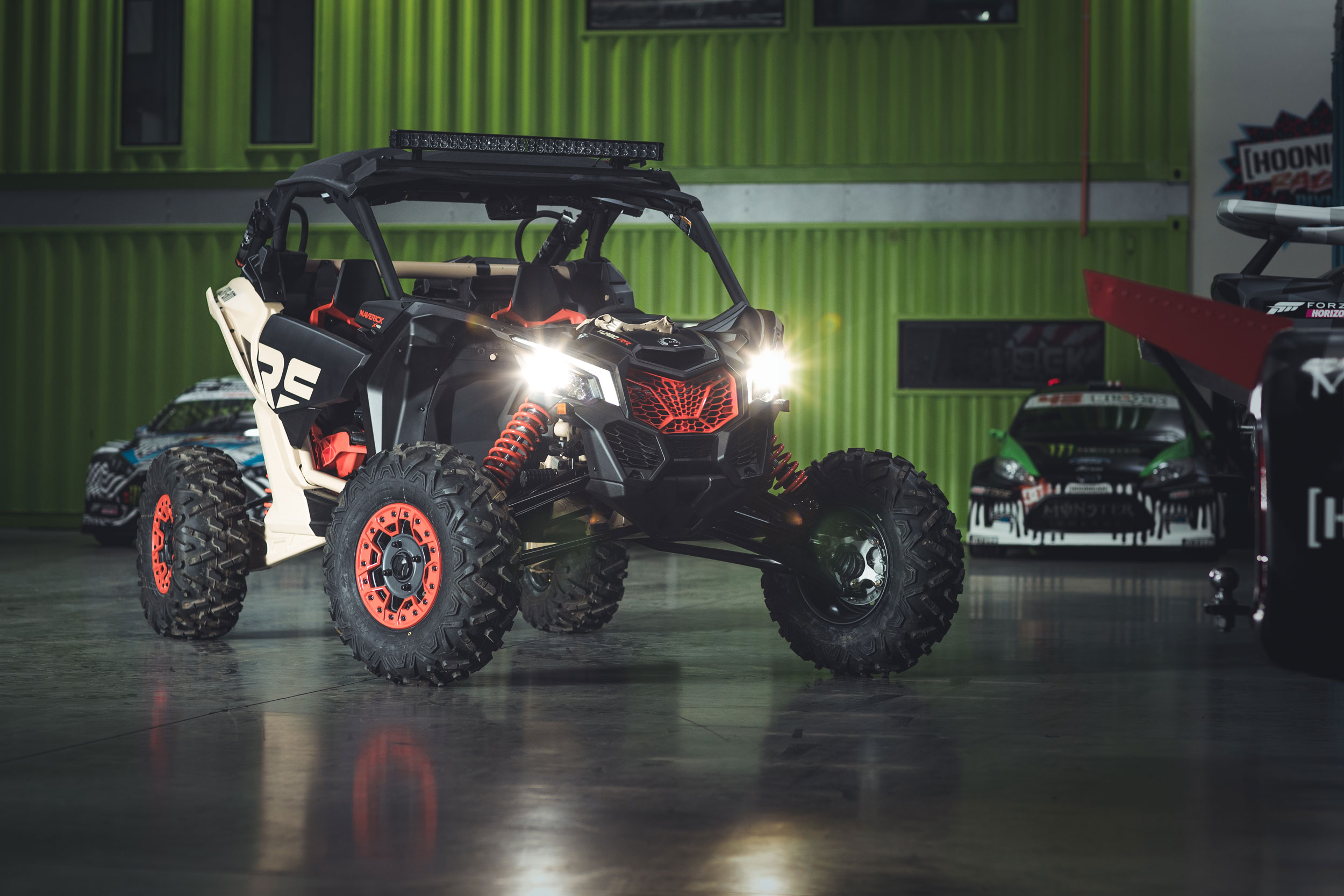 Can-Am Off-Road new semi-active suspension tested by Ken