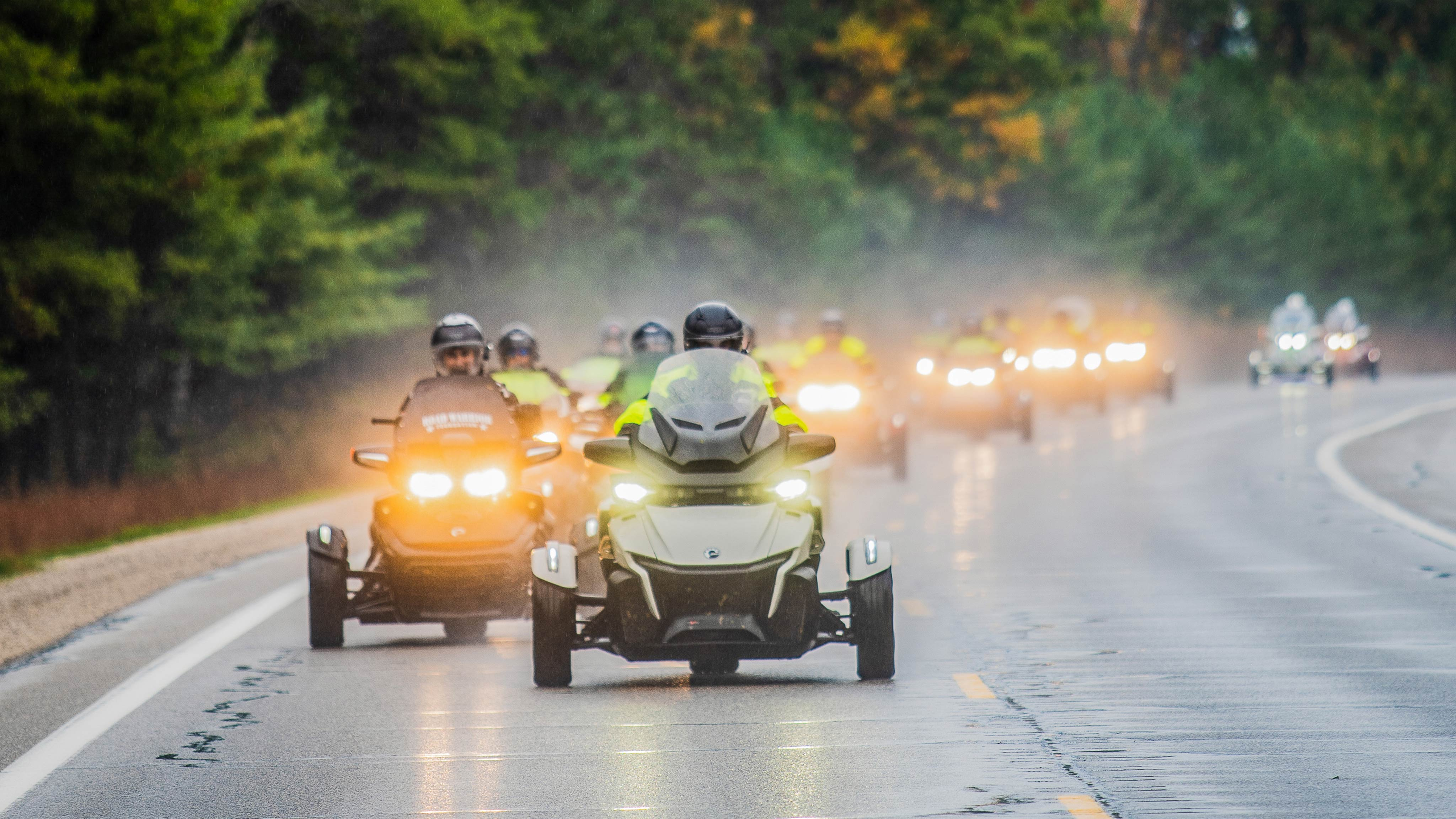 Can-Am On-Road's 2019 Road Warrior Ride - group riding