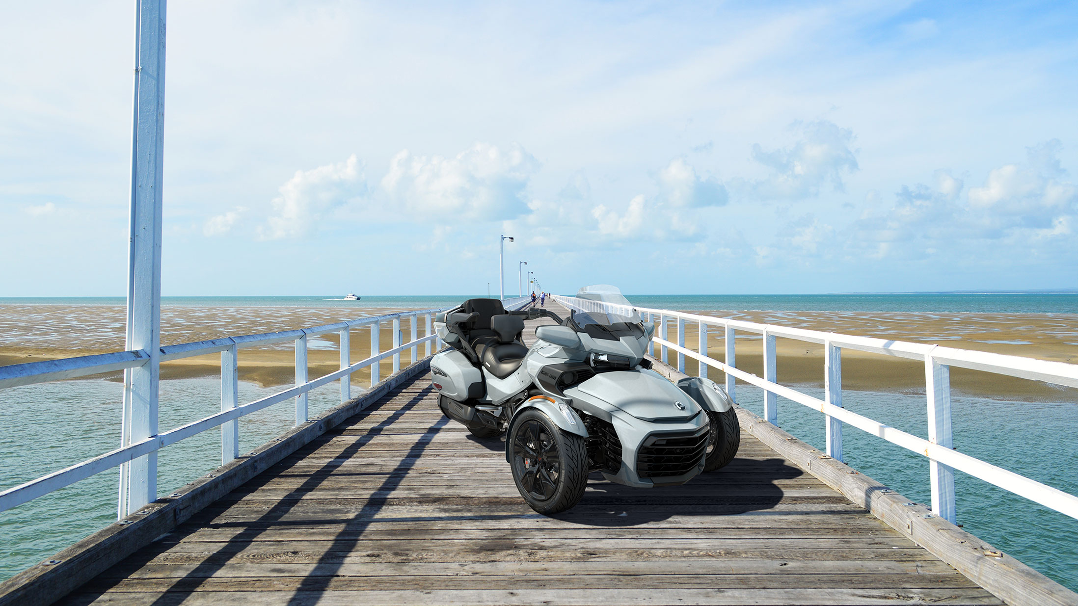 MY21 Can-Am Spyder F3 Limited in Glacial Blue Metallic